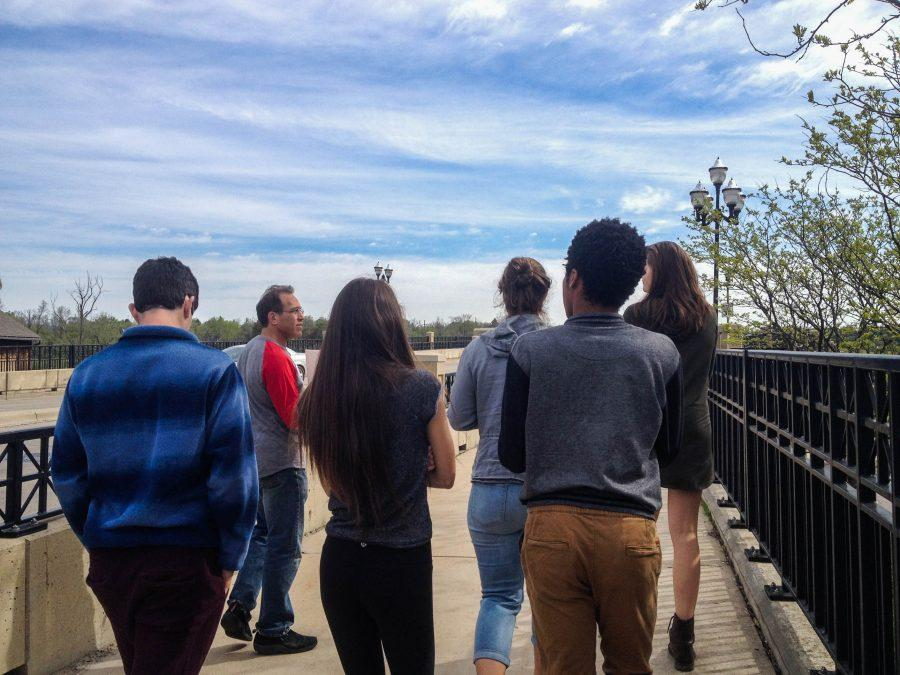 US History Students Participate in Walking Tour